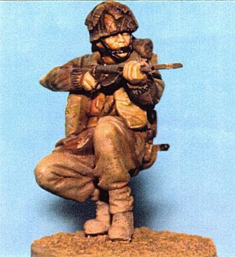 WF35026, 1/35th scale WWII British Para Kneeling (Sten)