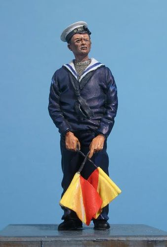 WF35045, 1/35th scale WWII Royal Navy Sailor with Semaphore Flags