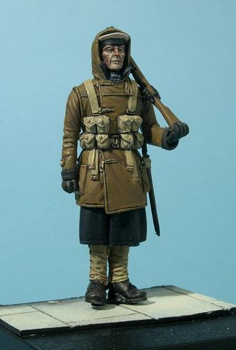 WF35046, 1/35th scale WWII Royal Navy Sailor on Guard Duty in Winter Dress