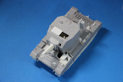 WV48010, 1/48th scale Valentine Bishop 25 SPG including No27 Limber